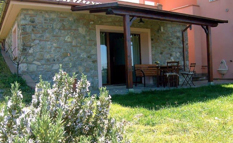 Campagna Toscana panoramico vicino al mare - Papacqua - Vacation home