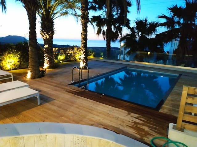 Cretan Luxury villa (Amazing sea view)