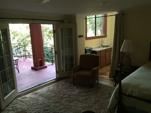Beautiful Private 1BR Suite - Lafayette - Σπίτι