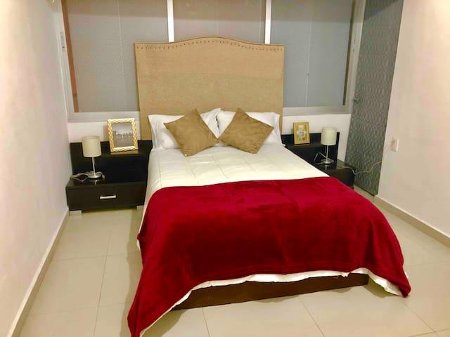 Cómoda habitación con baño privado