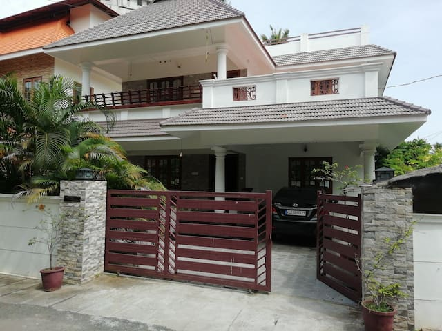 Private home stay close to the city and your heart