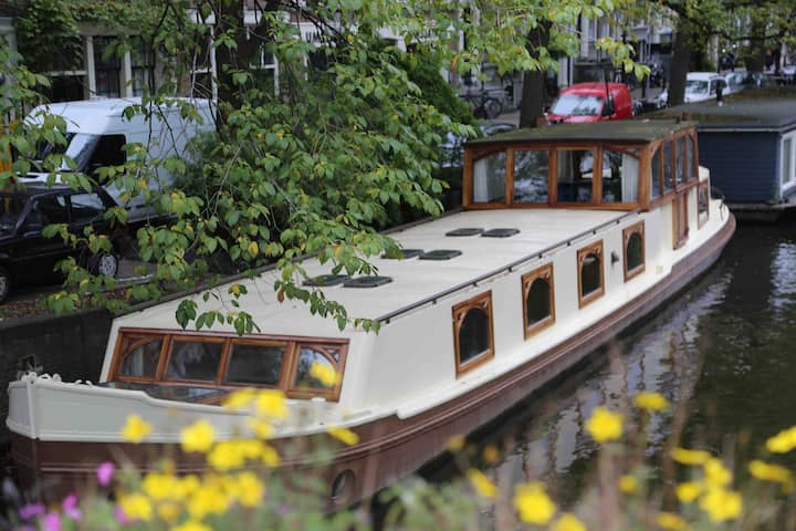 downtown authentic houseboat