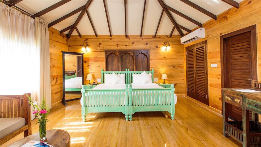 Deluxe Wooden cottage near Ashwem beach