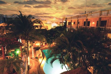 Downtown Oasis - 1/2 block to 5th Avenue! - Playa del Carmen - Boutique-Hotel