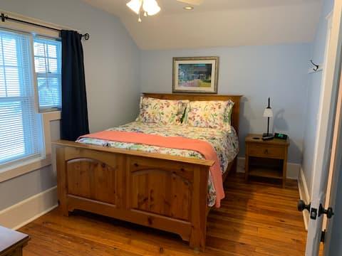 Gabriel Farms (Petoskey) Farm House room #2