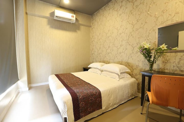 SK HOMESTAY DOUBLE ROOM WITH SHARED BATHROOM