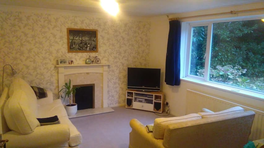 2 Bed Apartment in Virginia Water