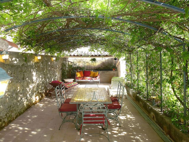 130 m² holiday house for 6 persons in Barjols - Barjols - Haus