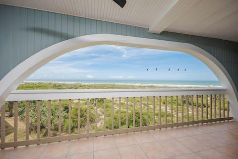 Oceanfront Retreat!