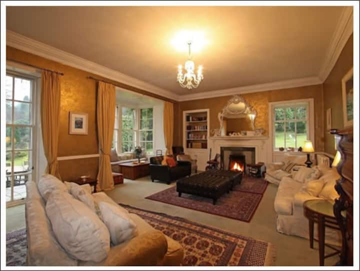 13 Bedroom Ormidale House - 4 star sleeps up to 35