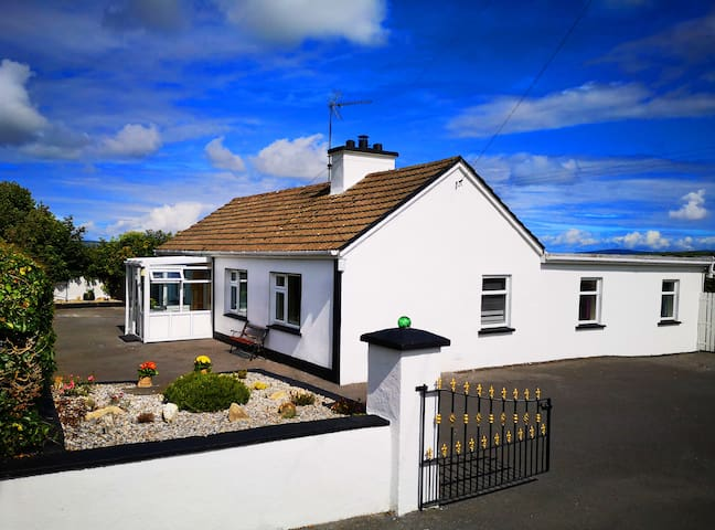 Country cottage in the heart of North Clare