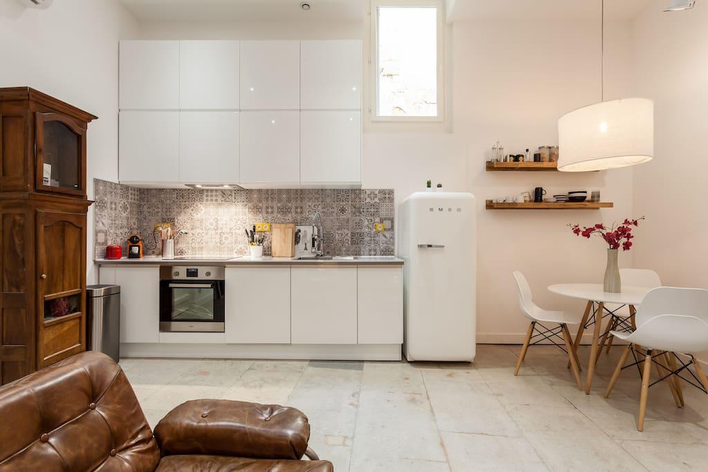 montpellier centre com die calme appartements louer montpellier languedoc roussillon. Black Bedroom Furniture Sets. Home Design Ideas