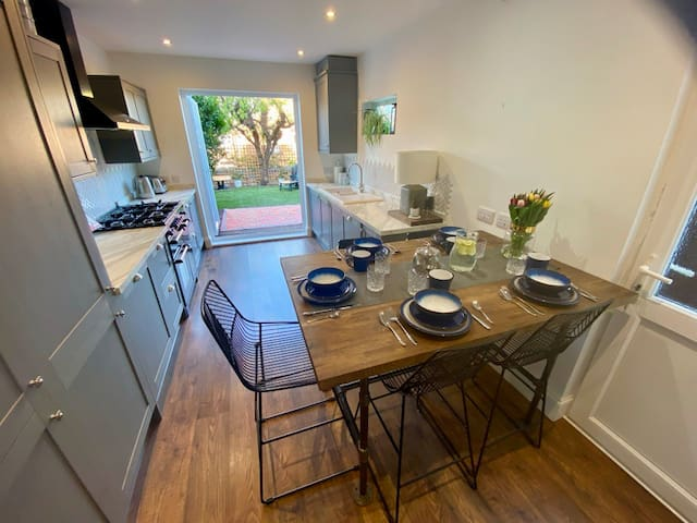 3 Bed Victorian Townhouse