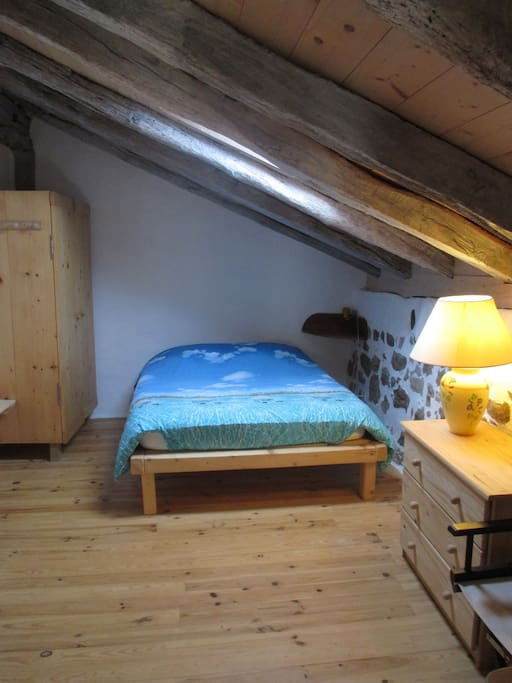 chambre1 avec lit en 140