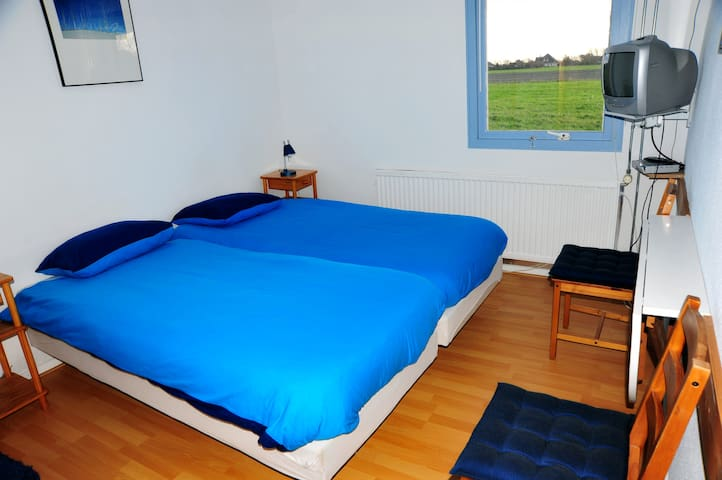 Witte weelde texel blauwe kamer bed breakfasts for rent in de koog north holland netherlands - Bed kamer ...