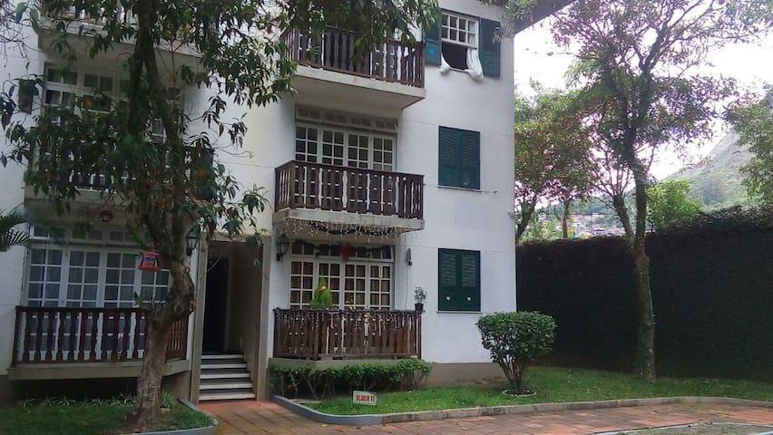 Aconchegante Apê em Chalé com piscina - Nova Friburgo - Wohnung