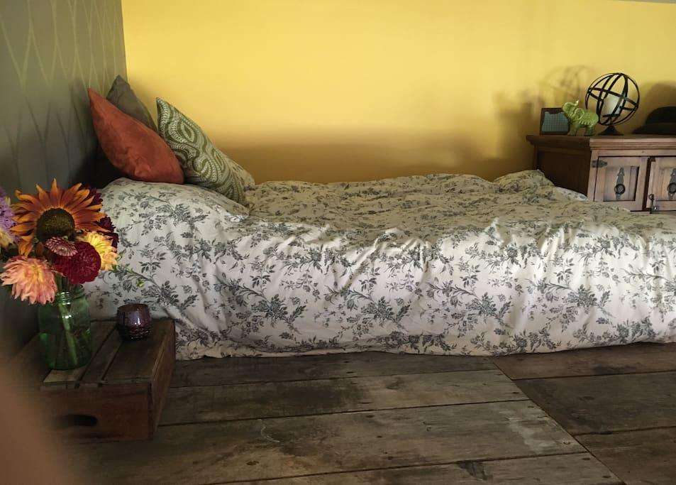 Cozy queen loft bed