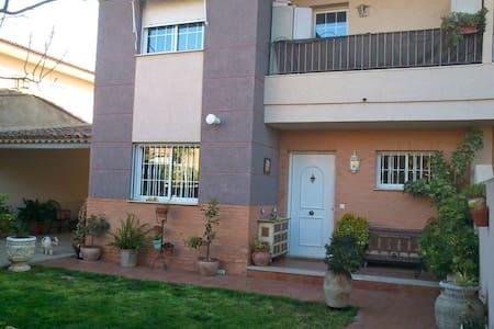 La casa de la tia mens 3 - Chiva - Townhouse