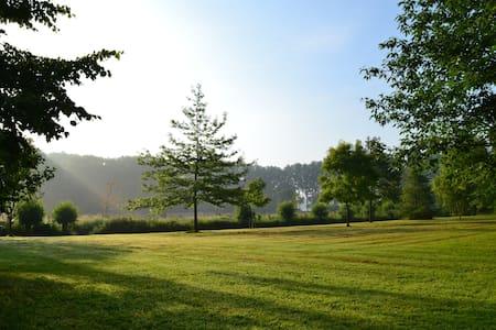 Chalet in ecological park garden - Bruges - Penzion (B&B)