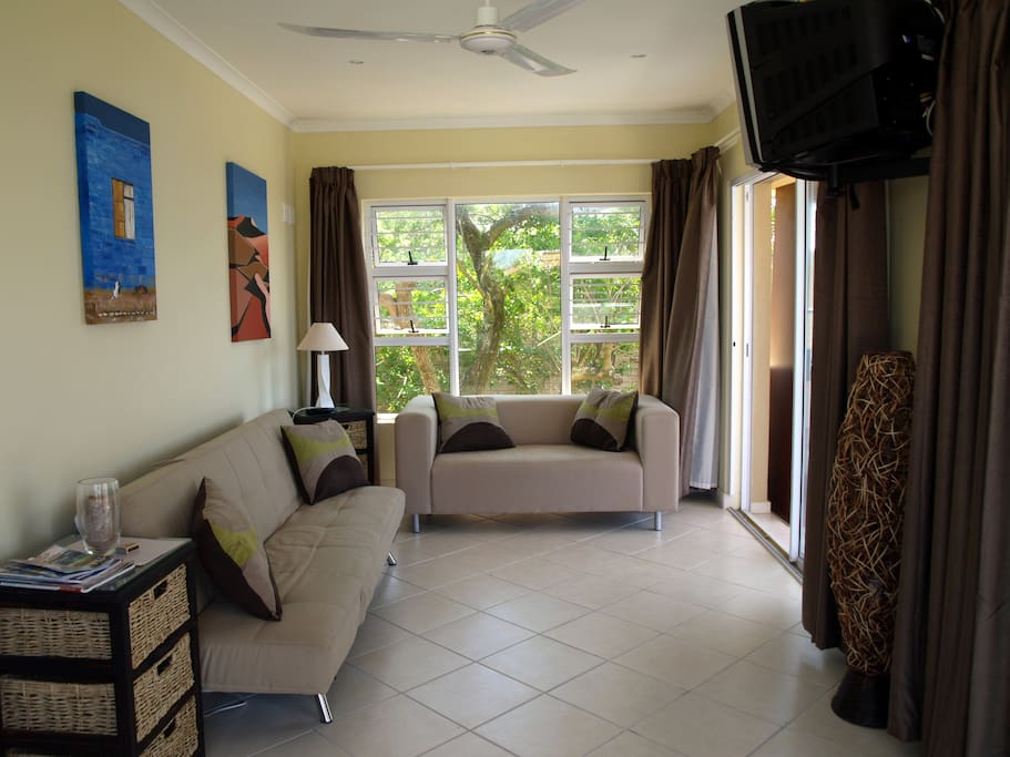 Lounge with TV and full DSTV.