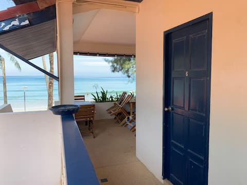 ROOM6, accommodation on the beach !