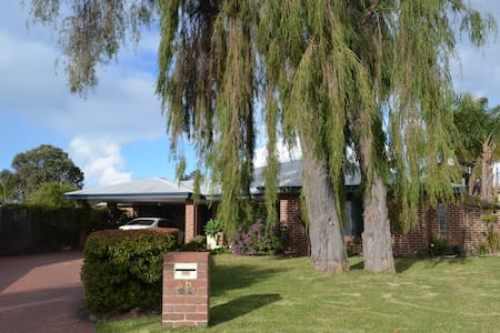 Large modern home in beautiful Cloisters Estate - West Busselton - Casa