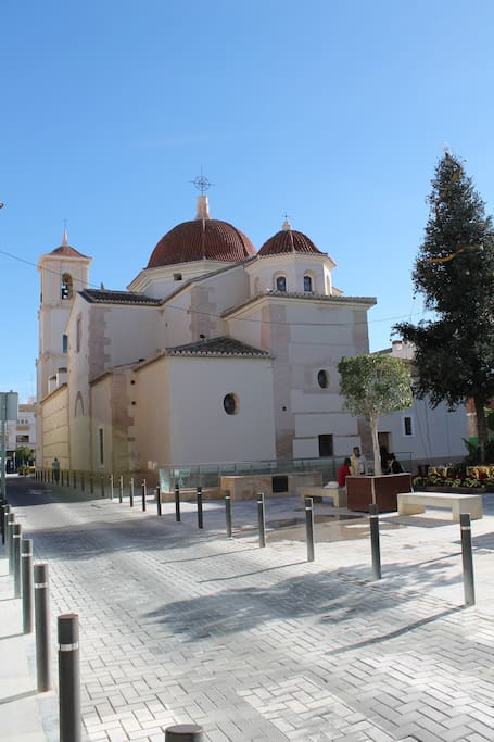 kerkje in het dorp