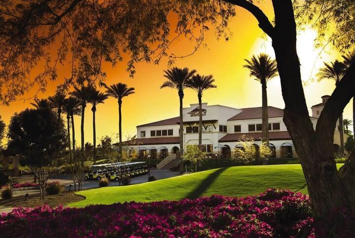 Paradise in a Phoenix Golf Resort - Studio Suite