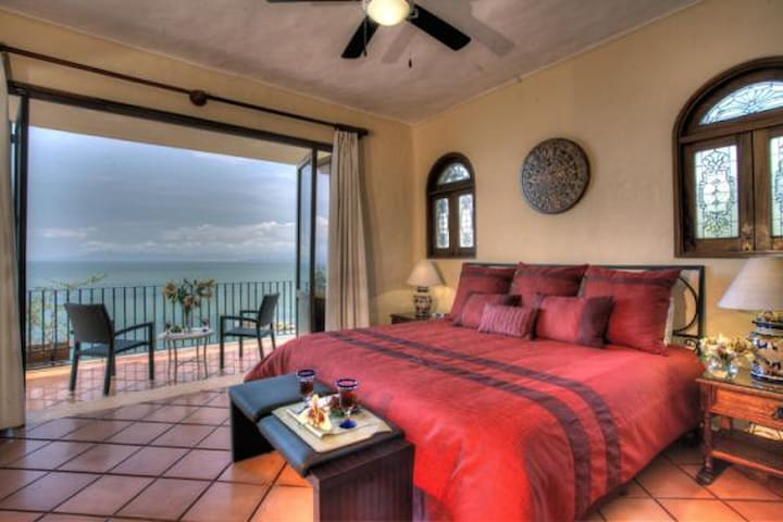 Spacious, charming, oceanview condo - Puerto Vallarta - Kondominium