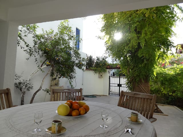 3-bedroom Villa 50m to Yahsi beach - Yalı - Rumah