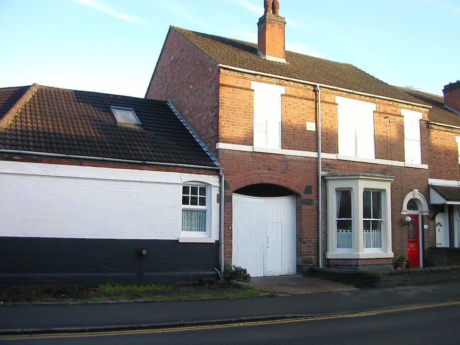 Another view of Glencoe House B&B, Burton upon Trent.