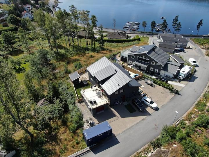 Nybyggd lägenhet med havsutsikt!