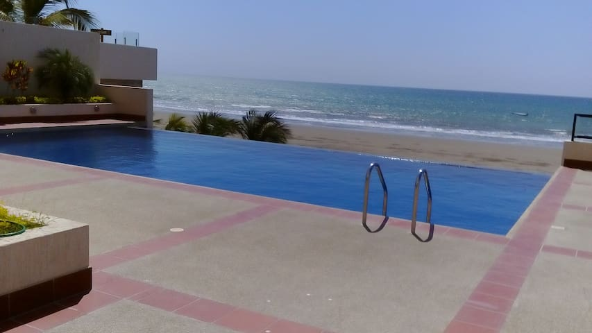 Exclusive  apartment in front of the Beach - Manta - Appartement