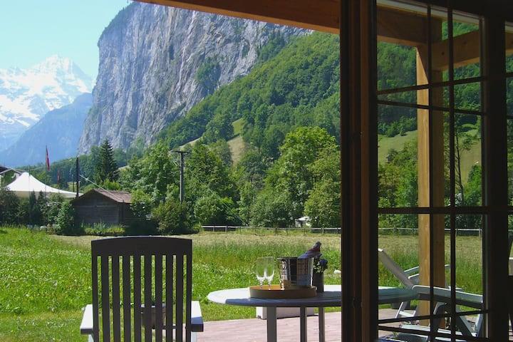 Garden apartment- superb waterfall & valley views