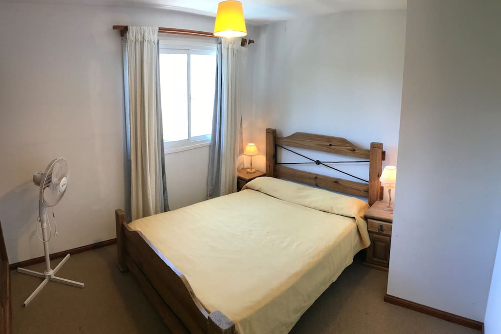 Dormitorio cama matrimonial