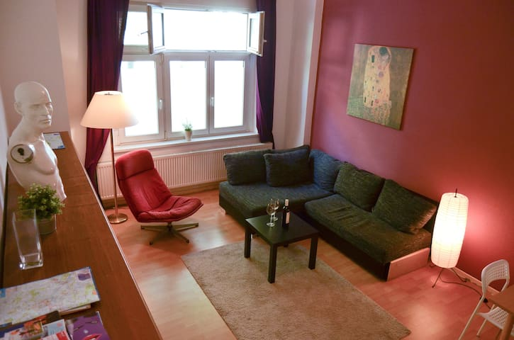 Lovely apartment in the heart of Friedrichshain!