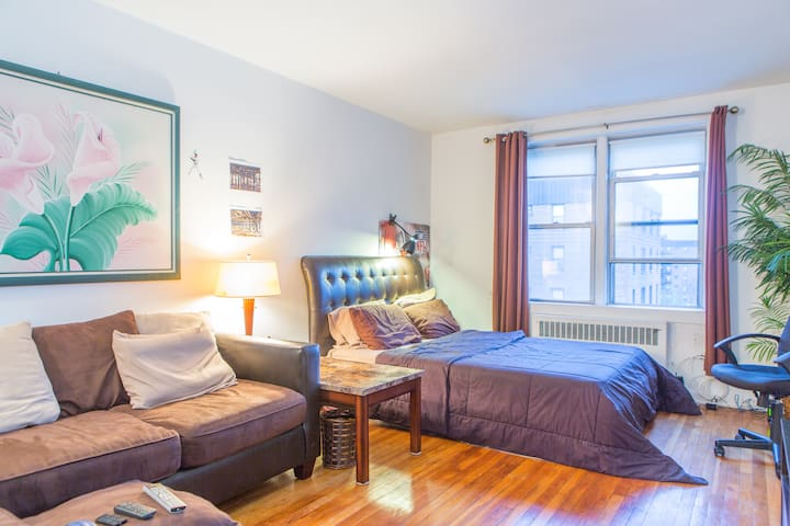 Oversized Luxury Prvt Room - Queens - Apartemen