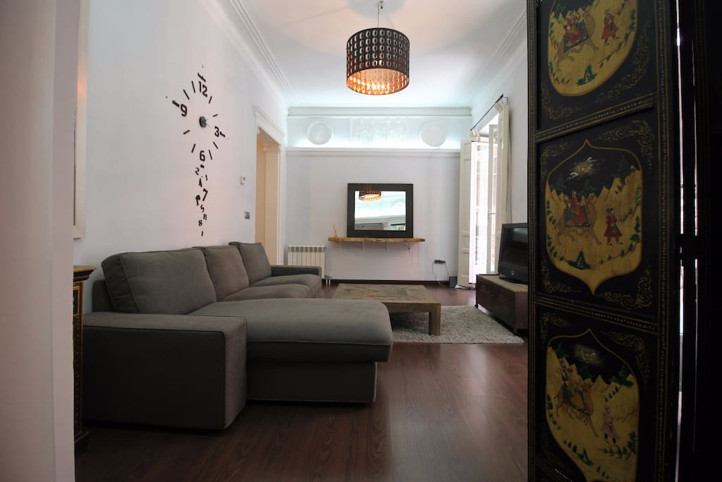 Living room / amplio cuarto de estar
