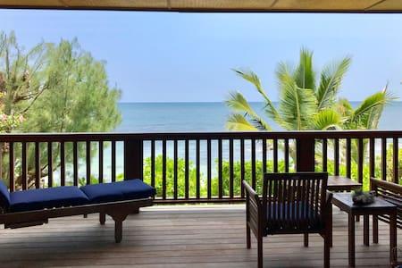 North Shore Bali Style Home on Waialua Beach