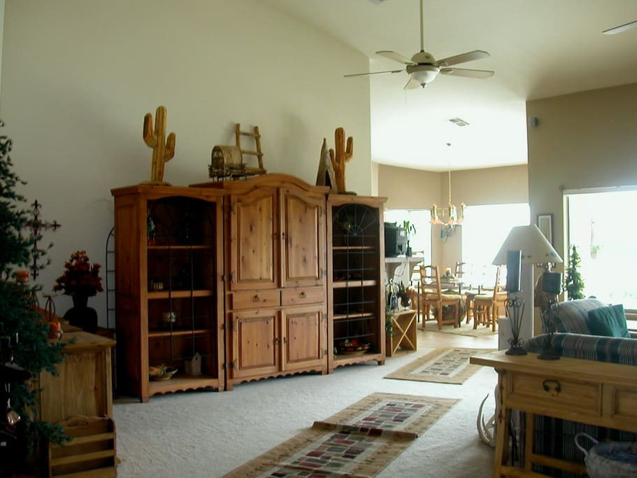 Large great room and  views of lake from dining room