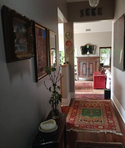 Eclectic, Airy, Green & Homely Family home. - Nedlands - Rumah