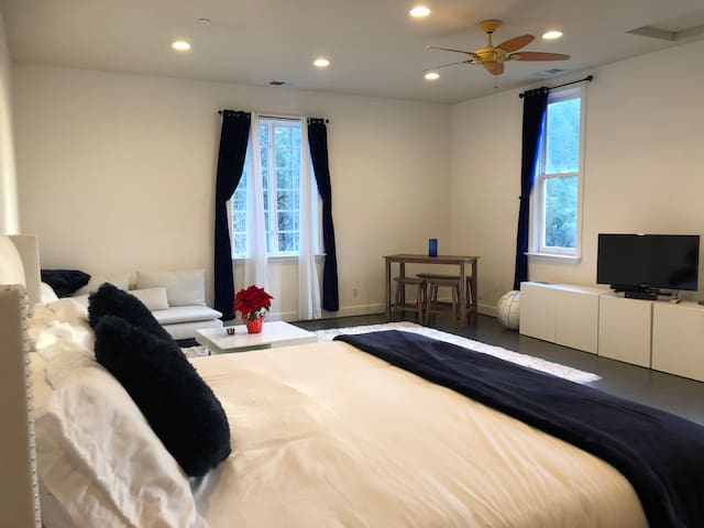 Charming Knights Valley Guest Suite