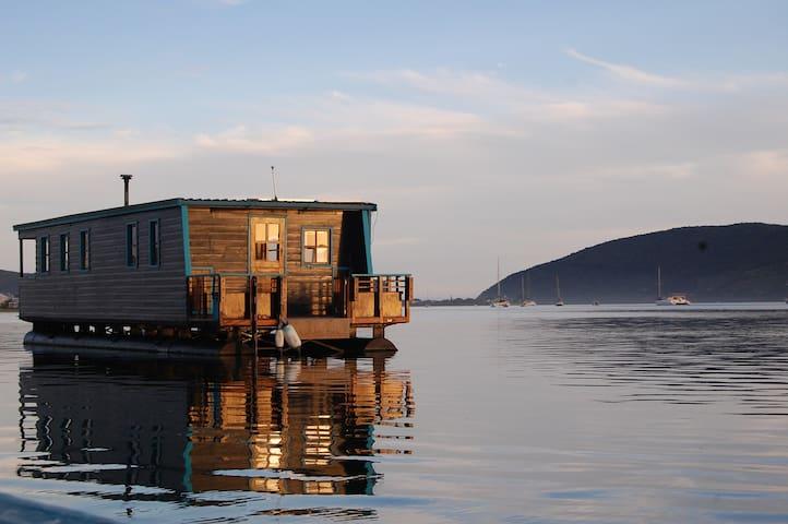 Knysna Houseboat Myrtle - Knysna - Boot