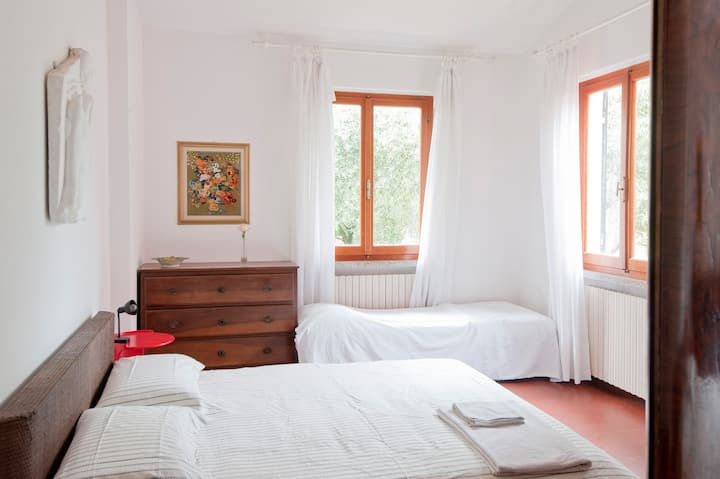 Appartment (2double rooms), Sarzana