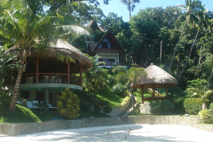 2 Bedroom Luxury Villa with Beach - Puerto Galera - Willa