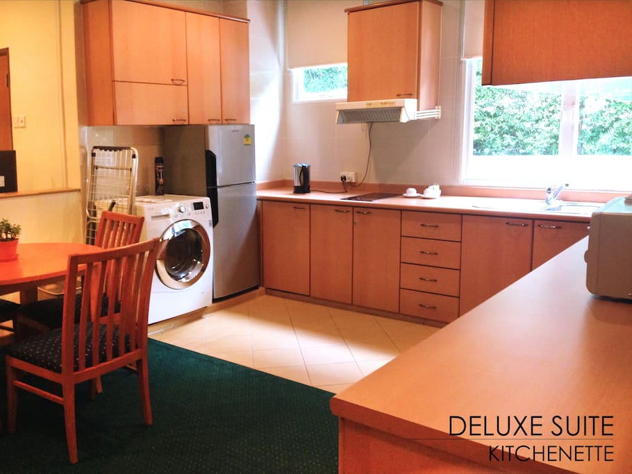 Fully equipped kitchenette and dining area
