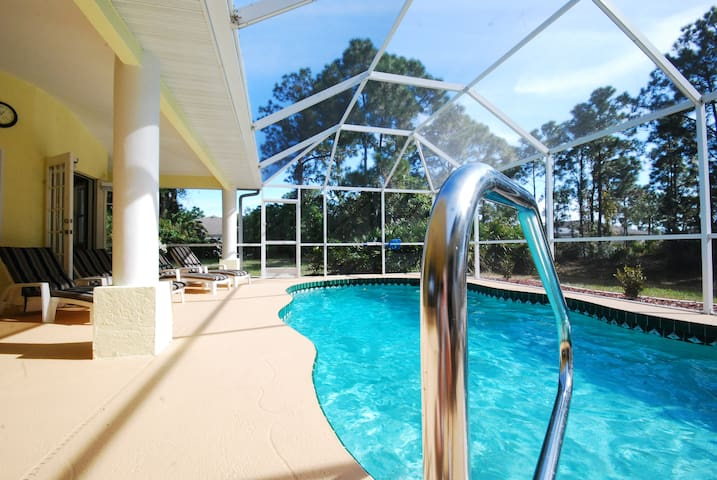 Luxury on the The Gulf Coast - Rotonda West - Hus