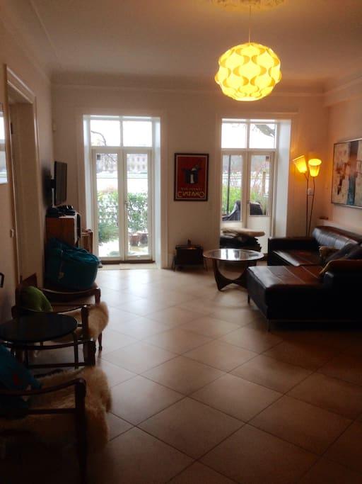 Livingroom with exit to garden