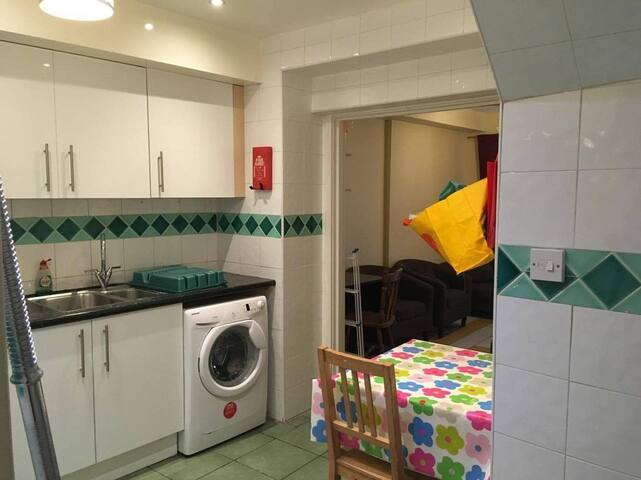 Centrally located room with great transport links