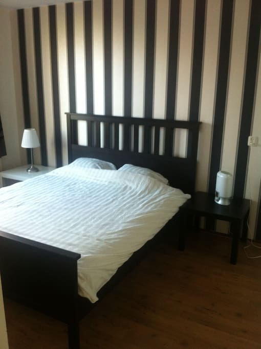 Bedroom with double bed (optional)